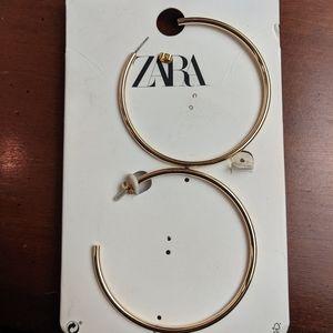 Zara | gold tone hoops